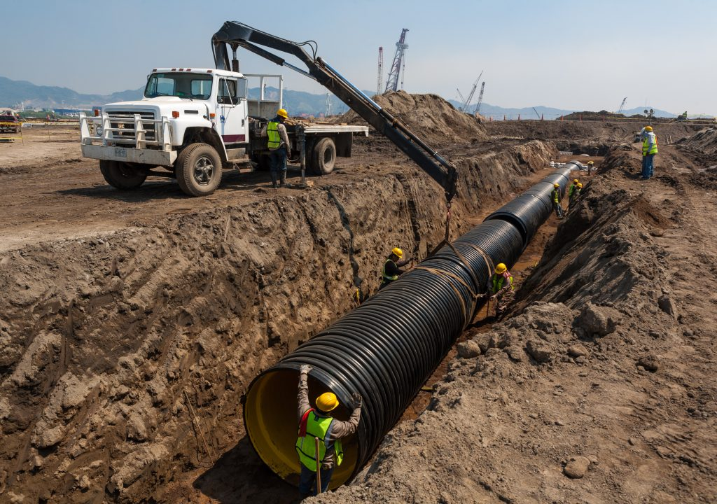 Install drain sewer pipe line